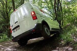 Peugeot ajoneuvot maastokäyttöön